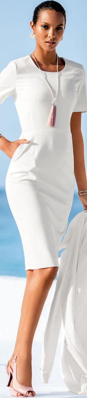 Madeleine Wełna Biała sukienka