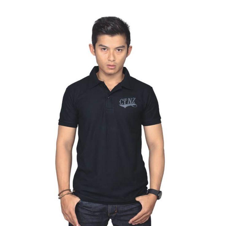 Kaos Distro / Polo Shirt Pria - PL 907. Produk fashion handmade asal Bandung dengan bahan nyaman digunakan, desain trendy dan tidak pasaran. Membuat tampil percaya diri.  Detail Produk:   Ukuran: S - XL  Bahan: LACOSTE  Warna: HITAM  Yuk di order, belanja lebih hemat.   #Catenzo #Kaos Kerah