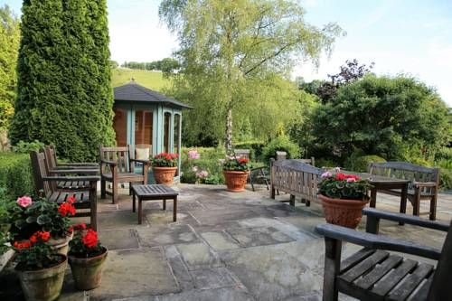 Witheridge Farm Winsford Witheridge Farm is located in Exmoor National Park, 12 miles from Minehead. The bed and breakfast offers free WiFi and on-site parking.  The bedrooms overlook the garden, and offer either an en suite or private bathroom.