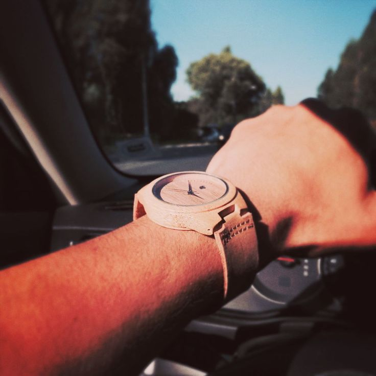 #relojes Castor en la carretera  con @ariel4130 y el modelo ORIGEN. #castorwatches rústicos con un toque de elegancia . Encuéntralos en http://ift.tt/1RZA1G6  whatssap 56994033705 #relojesdemadera #accesorios #woodenwatch #watch #bamboowatch #watches #chile #reloj #sustainableluxury