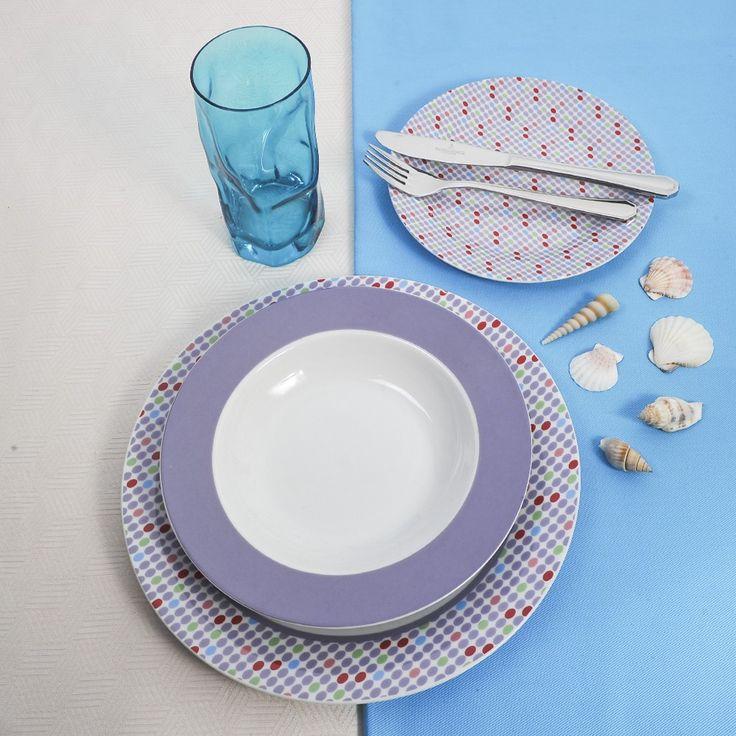 Διαχρονικό και κομψό υψηλής ποιότητας και αισθητικής, ιδανικό για κάθε τραπέζι. Σε απαλό μωβ που κομποζάρει για να γίνει ακόμα πιο εκλεπτυσμένο και γοητευτικό. Το σετ αποτελείται από 6 ρηχά πιάτα, 6 βαθιά, 6 φρούτου, 1 πιατέλα ,1 σαλατιέρα, 6 πιρούνια και 6 μαχαίρια 18/10 του οίκου Picard & Wielplutz και 6 ποτήρια νερού σε τυρκουάζ χρώμα.
