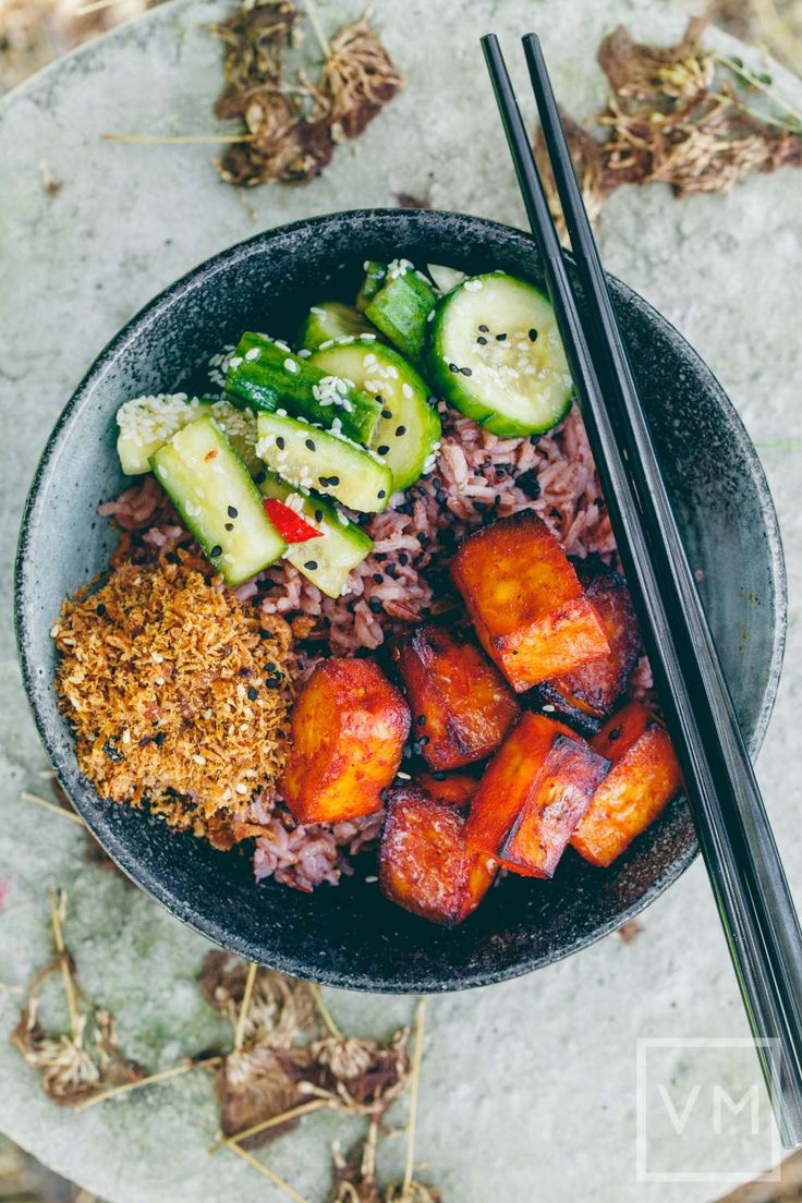 Gochujang Tofu Pickled Cucumber Bowl