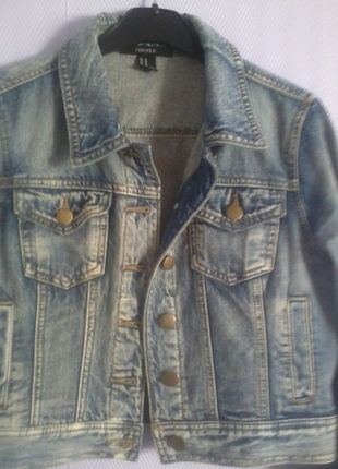 A vendre sur #vintedfrance ! http://www.vinted.fr/mode-femmes/vestes-en-jean/21310376-veste-en-jean-forever-21