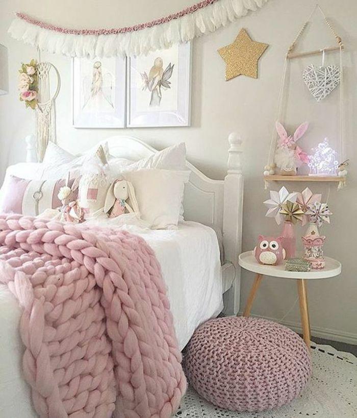 une-deco-rose-poudré-pour-la-chambre-d-ado-couverture-de-lit ...
