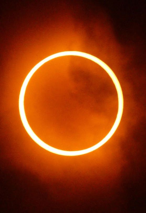 Annular Solar Eclipse September 1, 2016 | The solar eclipse of September will be especially spectacular. So this date points to not miss: September 1, 2016. An annular solar eclipse occurs when the moon is so far from Earth that its apparent diameter is smaller than the Sun, thus blocking most of sunlight but leaving a ring of light. Thus, during the annular solar eclipse on September 1 the sky will not become completely dark, but will be a ring of light around the silhouette of the new…