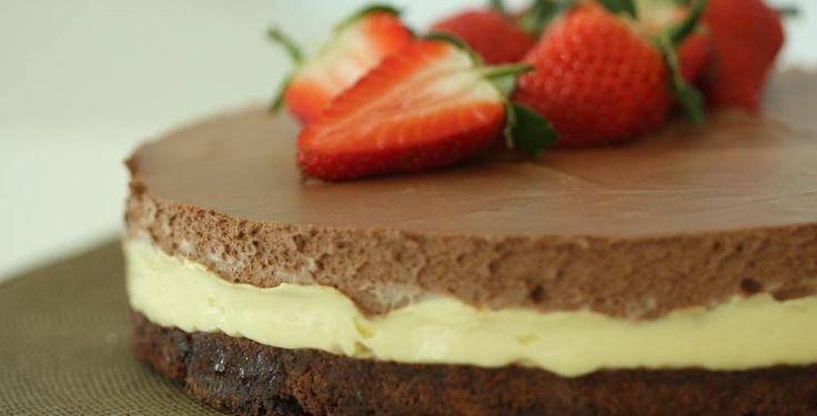 Sjokolademousse-kake på saftig bunn