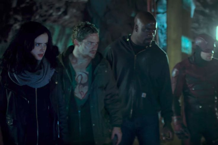 The latest trailer for The Defenders promises blood and war    Marvel's The Defenders will arrive ready to binge in just a few weeks, and Comic-Con can always be counted on to whet fans' appetite for what's to come. In the miniseries' latest trailer, Alex   https://www.theverge.com/2017/7/21/15983408/marvel-defenders-final-trailer-sdcc-2017