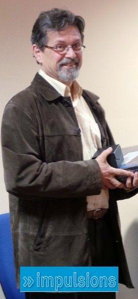 """Cérémonie du Prix """"Impulsions"""" au Ministère de l'Education nationale George Pau-Langevin, ministre déléguée chargée de la réussite éducative, a remis les prix Impulsions aux six lauréats nationaux le mardi 9 juillet 2013. Impulsions, le prix de l'action administrative innovante, encourage et valorise l'inventivité développée par les personnels de l'éducation nationale. L'académie de Paris a été récompensée en la personne de Pierre Counillon, médecin scolaire, pour son logiciel """"Sensorikit""""."""