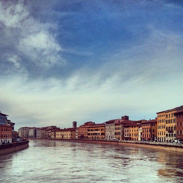 """Lung'Arno, Pisa (Italy) © Valentino Liberto """"Questo Lungarno è uno spettacolo così bello, così ampio, così magnifico, così gaio, così ridente che innamora: non ho veduto niente di simile nè a Firenze nè a Milano, nè a Roma, e veramente non so se in tutta l'Europa si trovino vedute di questa sorta. Vi si passeggia poi nell'inverno con gran piacere, perchè v'è quasi sempre un'aria di primavera: sicchè in certe ore del giorno quella contrada è piena di mondo, piena di carrozze e di pedoni: vi…"""