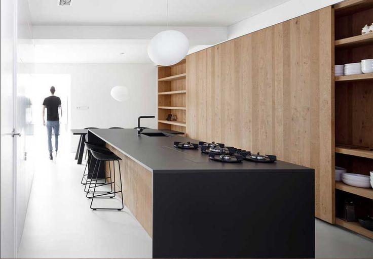 Arbeitsplatte küche stein schwarz im eiche kücheninsel mit integriert herd und küchenspüle für moderne küche ideen