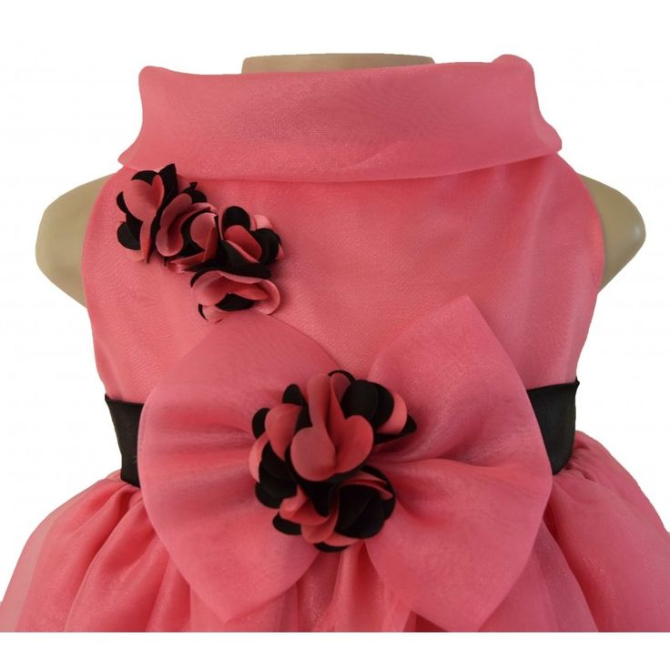 This kids birthday dress has an elegant, cowl neck and a layered organza skirt which is gathered, creating a wonderfully full look. Faye provide online shopping for baby dresses.  See More: https://www.faye.in/faye-onionpink-cowl-neck-dress