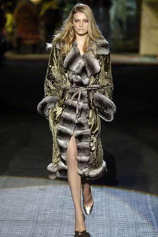Roberto Cavalli Fall 2006 RTW - Runway Photos - Fashion Week - Runway, Fashion Shows and Collections - Vogue