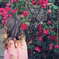 Foto tra le rose