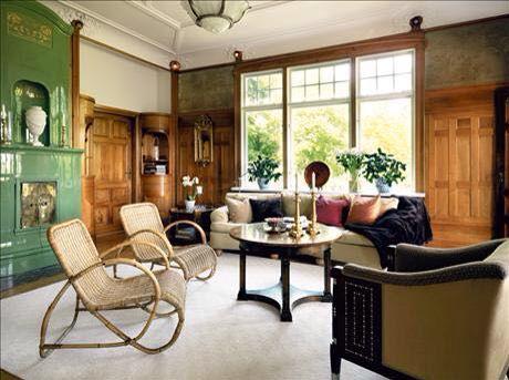 1930 living room.
