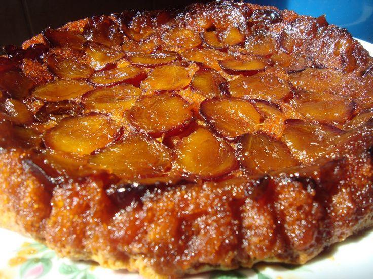 Tarta cu prune si caramel @FoodBlogs