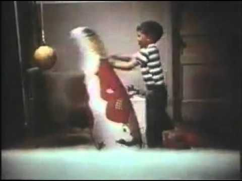 ▶ Bandura's Bobo Doll Experiment - YouTube