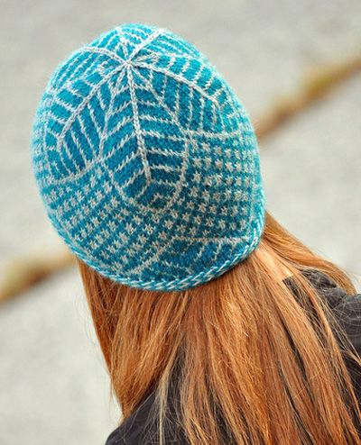 Again - the pattern lines are very clear. I know what to expect. And the colour w the red hair - fab!  hat knitting pattern