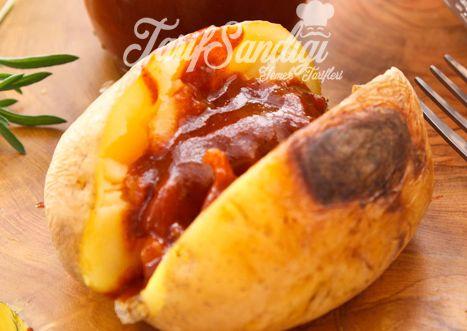 Malzemeler  Orta boy patates Barbekü sos İsteğe bağlı; tereyağ, kaşar peyniri, tuz