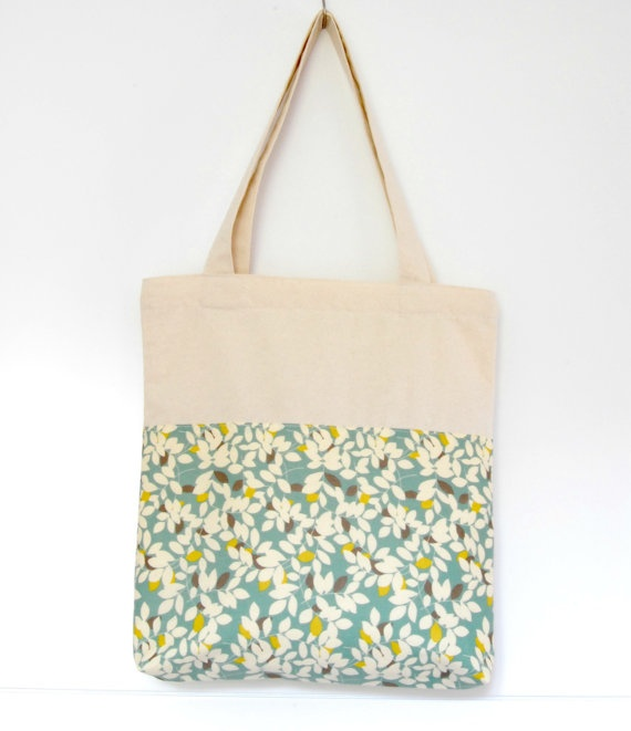 Cotton tote bag by Arigato-Bcn on Etsy.