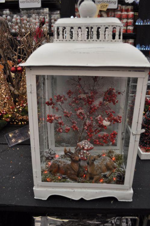 Kerstversiering in lantaarns: zelf maken - Christmaholic.nl