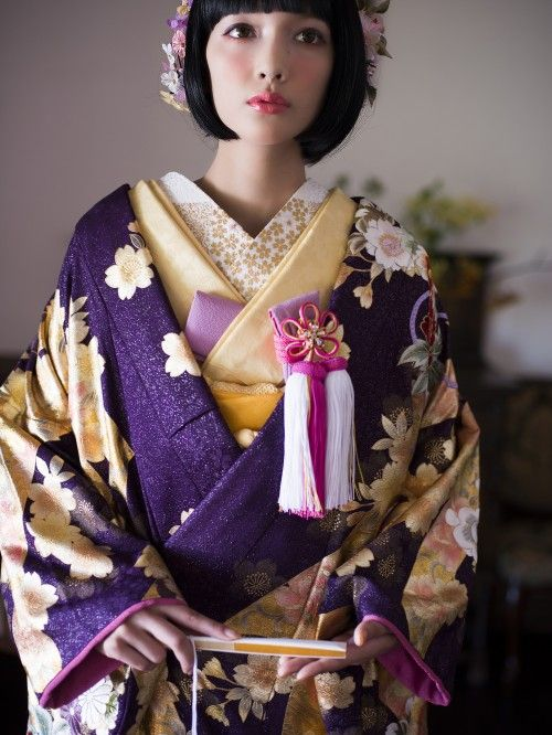 Go Hime is a secret project of fabulous kimono wearers wearing Hime and vintage/Taisho-style outfits...