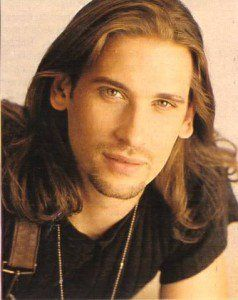 Top 10 Cool Facts about Roger Howarth! • Page 6 of 10
