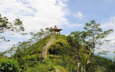 PERGIPEDIA  - Objek Wisata Alam Puncak Suroloyo Kulon Progo . Berada puluhan kilometer di sebelah...