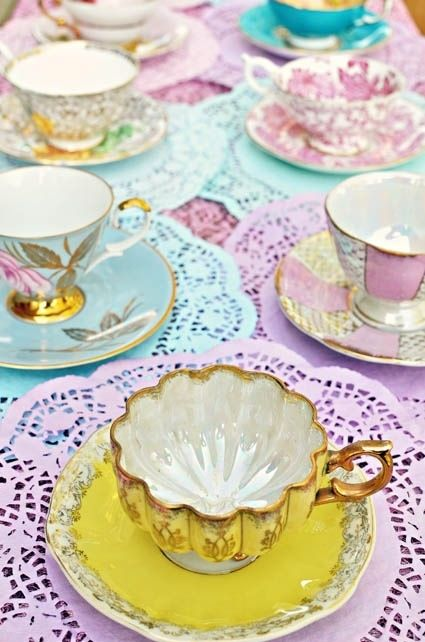 Pastel Tea Time || #cups #saucers #vintage #style