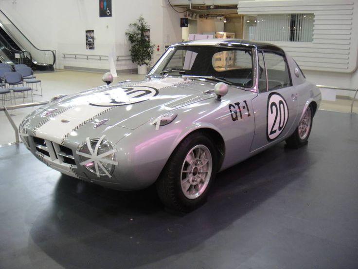 トヨタ・スポーツ800 可愛いですよね~そして、懐かしい(笑)過日、お台場のMEGA WEBに展示してあったものです。ヨタハチをぐっと延ばすと2000GTにも見えたりして  船橋サーキット・浮谷東次郎仕様レプリカ  1965年7月の第1回全日本自動車クラブ選手権レースのGT...