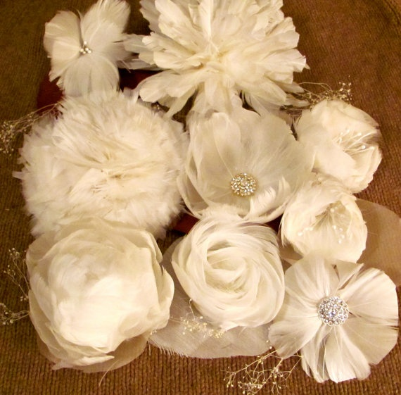Beautiful for DIY Bride's FREE Feather Flower Tutorials. For hair clips, pins, or combs. A bride could make her entire bridal / wedding bouquet out of these roses and other assorted flowers!