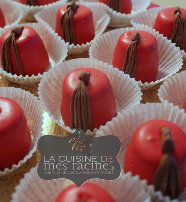 Le Mkhabez est un gâteau traditionnel Algérien très élégant et savoureux. il est souvent à base d'amandes mais il se décline avec d'autres variétés de