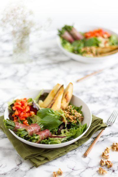 Salat mit Bohnen im Speckmantel & gebratener Birne I Salad with bacon…