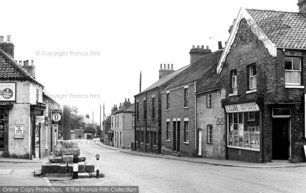 Old photo of The Cross c1955, Keyingham