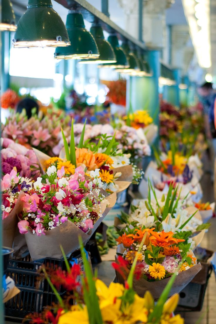 Pike place market flowers: CHEAP, beautiful, seasonal, vibrant colors, DIY (or not)
