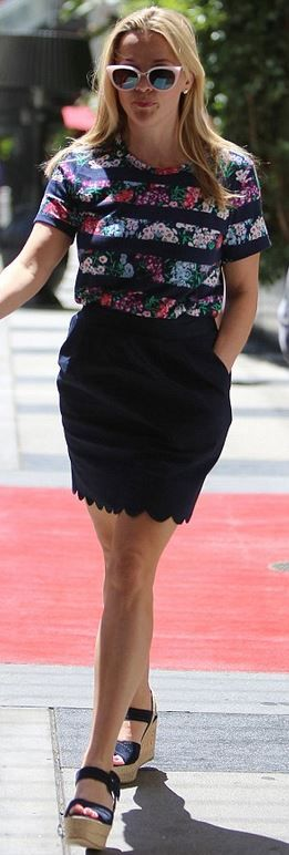 Who made  Reese Witherspoon's blue scallop skirt and floral stripe top?