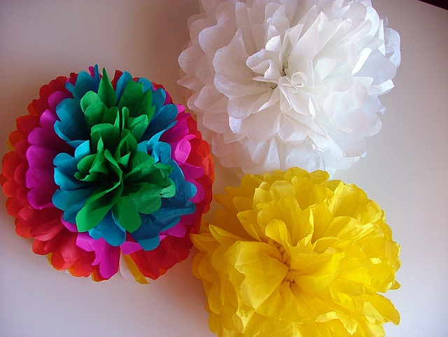 tutorial floral pompons 10 by Pinga Amor, via Flickr