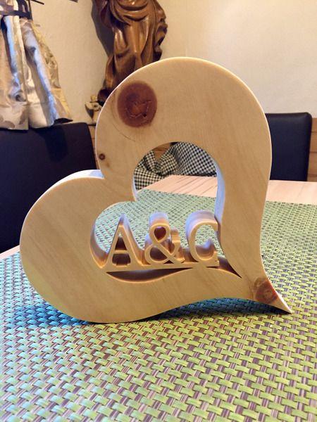 Buchstaben & Schriftzüge - Herz aus Zirbenholz mit IHREN Initialen - ein Designerstück von zirbenjohnny bei DaWanda