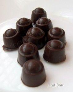 Cómo hacer chocolates rellenos de cerezas al licor