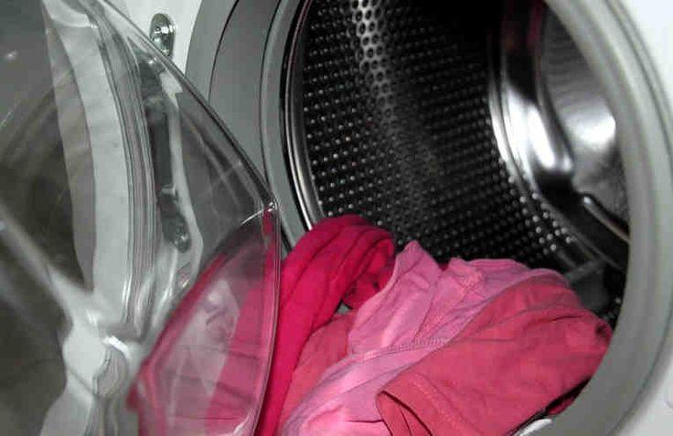 Los fabricantes de suavizantes de ropa utilizan fragancias que son en extremo perjudiciales para la salud, especialmente para los niños. Estos suavizantes que se comercializan pueden ocasionar alergias y debemos considerar que están compuestos por una cantidad importante de sustancias quími