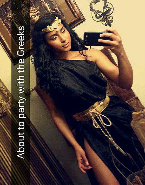Toga greek goddess costume diy black and gold  outfit
