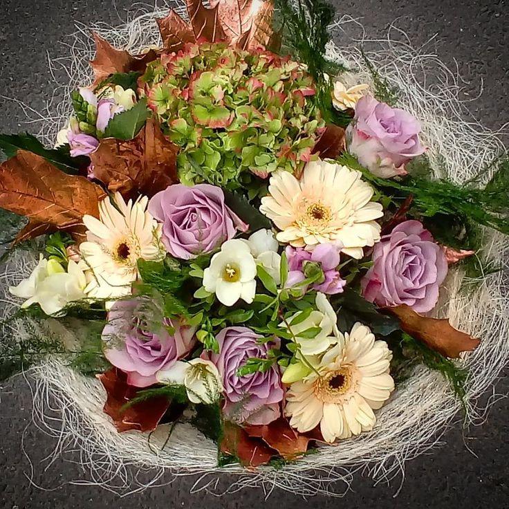 "26 aprecieri, 1 comentarii - Floraria Dorothy's (@florariadorothys) pe Instagram: ""Pastel colors.. #anniversary #flowerbouquet #cluj #clujlife #clujnapoca #clujcenter #floricluj…"""