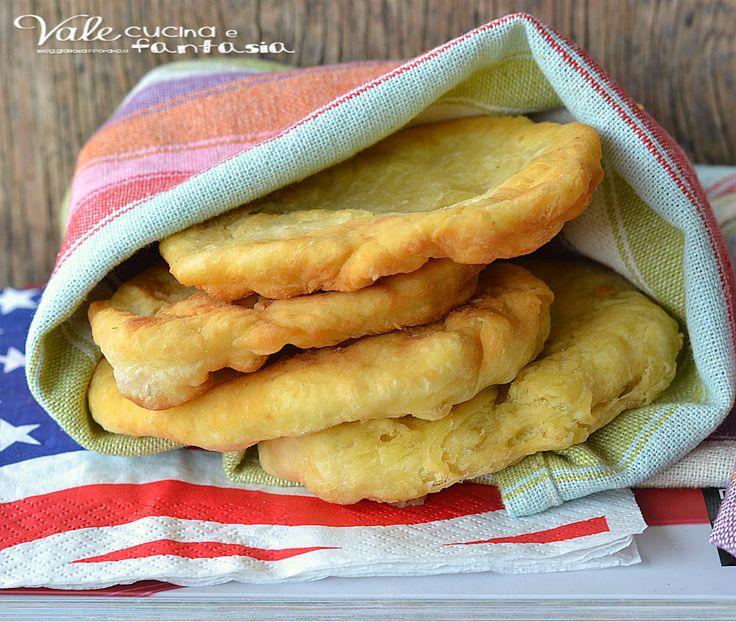 Pane fritto americano ricetta facile ricetta dei nativi americani, buona e facile,ideale con salumi e formaggi ma anche con miele e marmellata