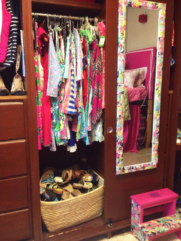 dorm closet. like the shoe basket!