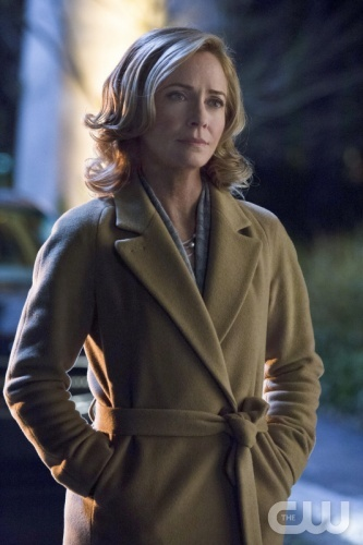 "Arrow -- ""Dodger"" -- Image AR115b_0332b -- Pictured: Susanna Thompson as Moira Queen -- Photo: Jack Rowand/The CW -- © 2013 The CW Network. All Rights Reserved"