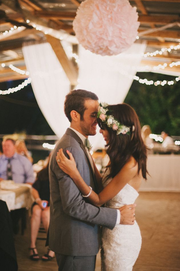First dance | Blush Pink and Mint Rustic DIY Wedding | Beca Companioni Photography