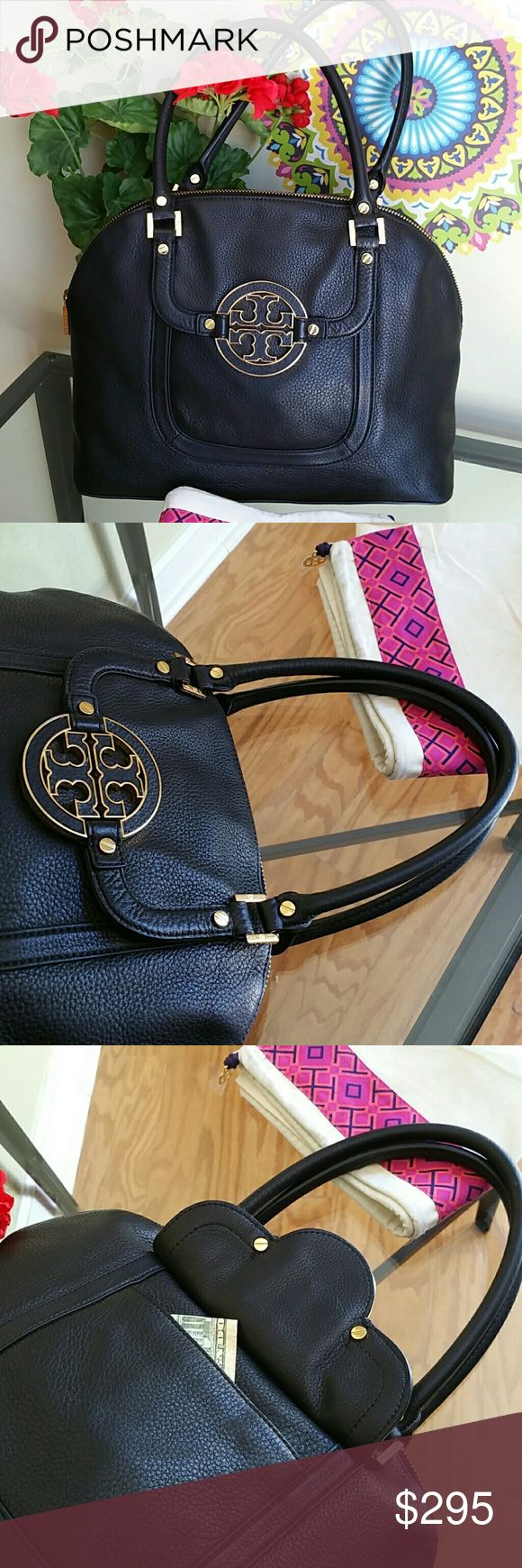 Tory Burch amanda bag Excellent condition...dimensions 15 in by 12 in by 5.5 in Tory Burch Bags