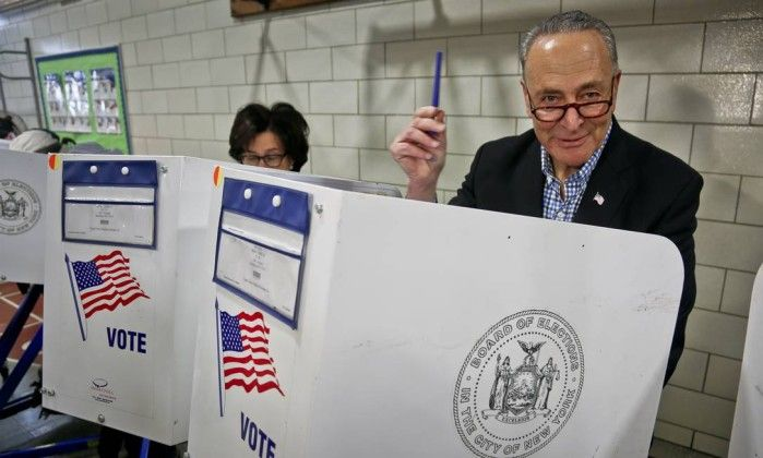 Democratas têm ligeira vantagem em disputa do Senado, dizem analistas - Jornal O Globohttp://oglobo.globo.com/mundo/democratas-tem-ligeira-vantagem-em-disputa-do-senado-dizem-analistas-20433048