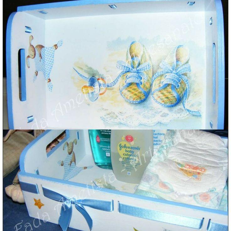 Cesto em madeira para produtos de bebé ● Tabuleiro de Bebé