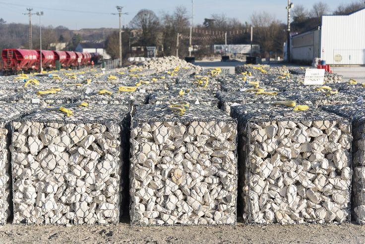 Carrière de #Gudmont: @CEMEXFrance capable de produire 1 500 #gabions en un temps record !    •••••••••••••••••••••••••••••••••••••    #maison #rénovation #décoration #architecture #jardin #habitat #réaménagement #gravier #grave #BTP #industrie #travaux #design #construction #granulats #bétons #bricolage #amazing #bâtiment #chantier #CEMEX #concrete