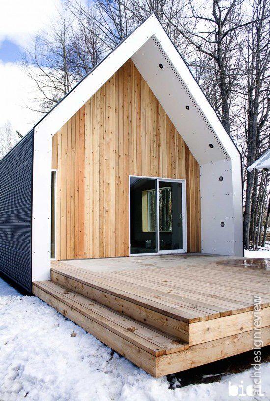 Holzfassade im wettergeschützten Bereich funktioniert und macht wohnlich.